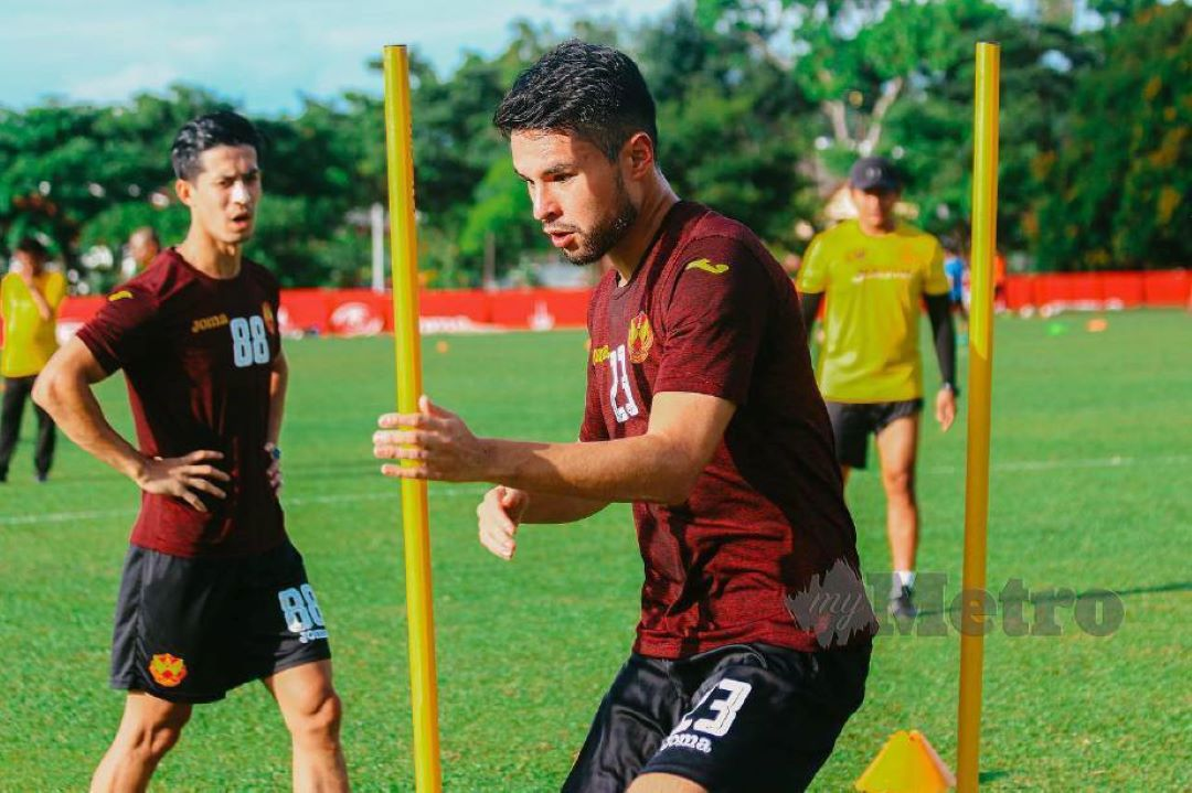 nick-swirad_thai league thailand 2021 nongbua pritchaya