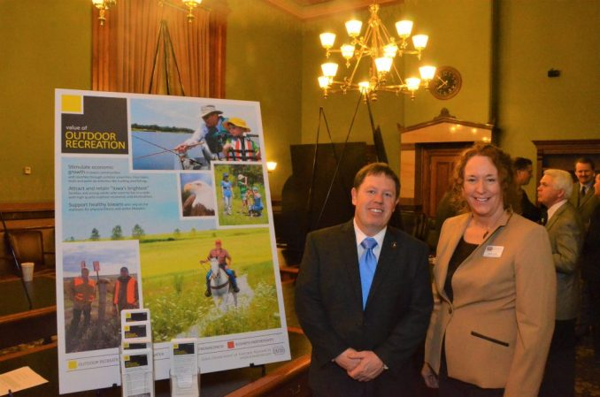 Senate Minority Leader Rob Hogg with Diane Ford of the DNR's Conservation and Recreation division.