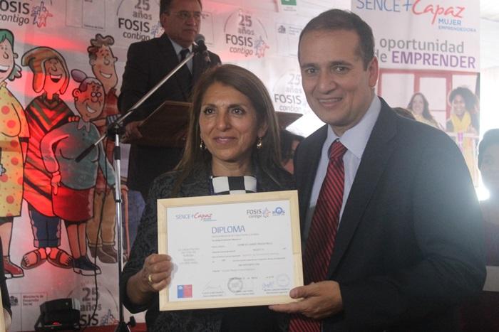 Sence Biobío y Fosis se unen para capacitar a mujeres emprendedoras de la región