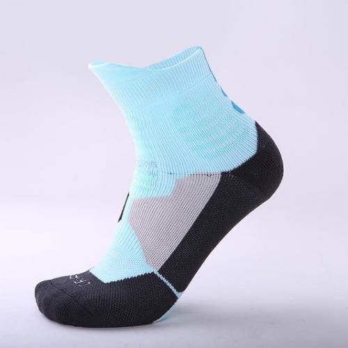 Chaussettes-bleu-clair-noir