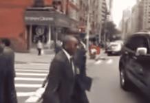 Sidiki Kaba hué et chahuté dans les rues des Etats-Unis par des pro Karim