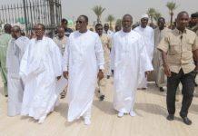 président Macky Sall a retiré ses chaussures