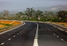 L'autoroute ila Touba en images ! Elle est très belle et séduisante, il faut oser le dire. L'autoroute Ila Touba qui prend départ à Thies