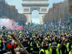 Photos- France- Manifestation des « Gilets jaunes « : Un Bilan qui inquiète « 118 personnes blessées et… Sur l'ensemble du territoire, 125 000