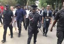 Geste polémique devant Serigne Modou Kara: le policier lourdement sanctionné (vidéo)
