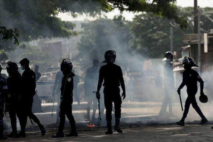 Dernière minute : Affrontements entre gendarmes et militants de Sonko, plusieurs blessés notés (photos)