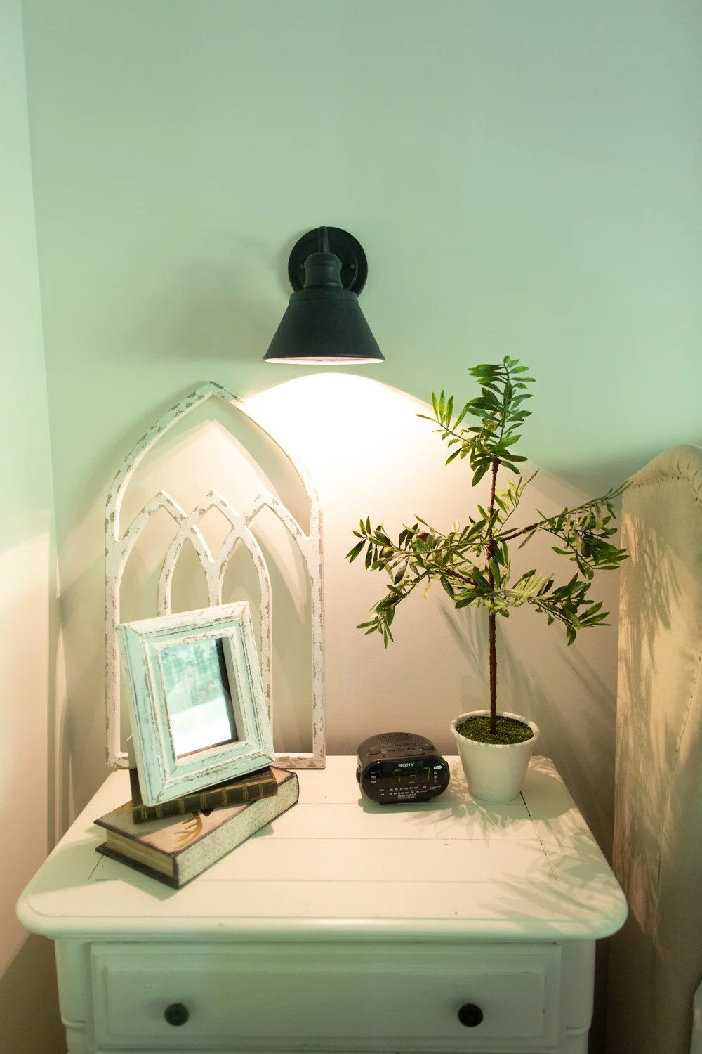 DIY Wall Sconce Lighting without Electricity or Power ... on Sconces No Electric Power id=97171