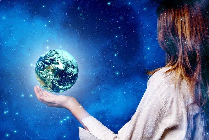 Del človeštva dviguje svojo zavest, medtem ko drugi del vztrajno stagnira