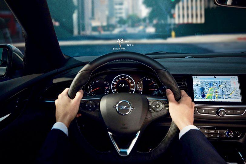 Head Up Display 1 - Opel Insignia Grand Sport 1.6 CDTI 136 CV