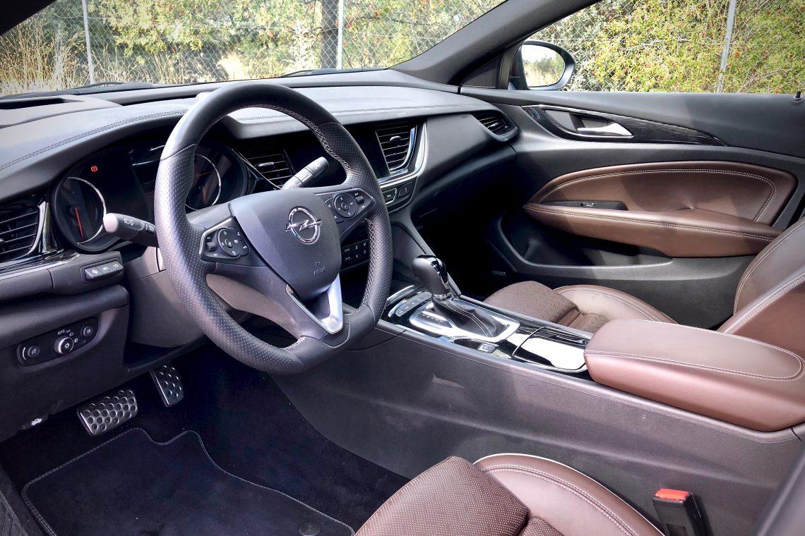 Interior 1140x760 - Opel Insignia Grand Sport 1.6 CDTI 136 CV