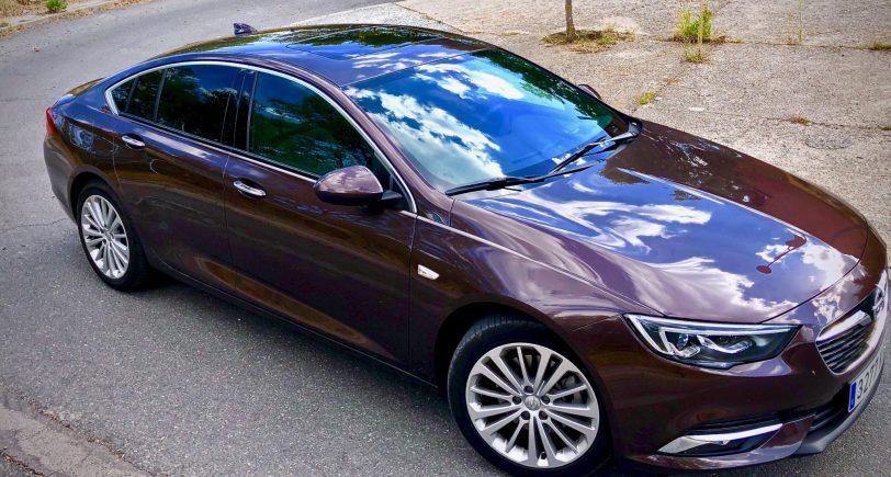 Lateral derecho - Opel Insignia Grand Sport 1.6 CDTI 136 CV