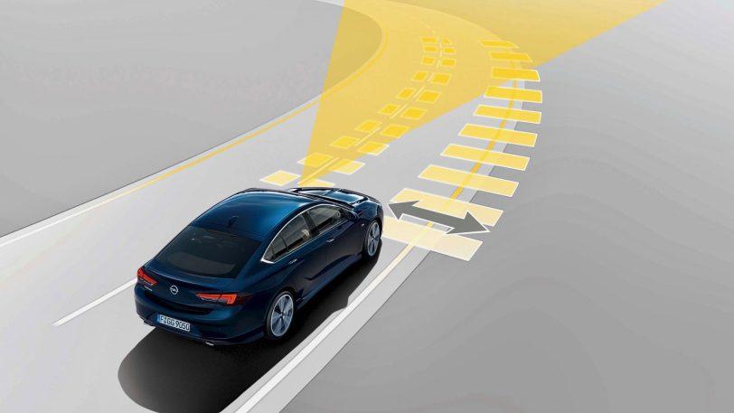 lane assist - Opel Insignia Grand Sport 1.6 CDTI 136 CV