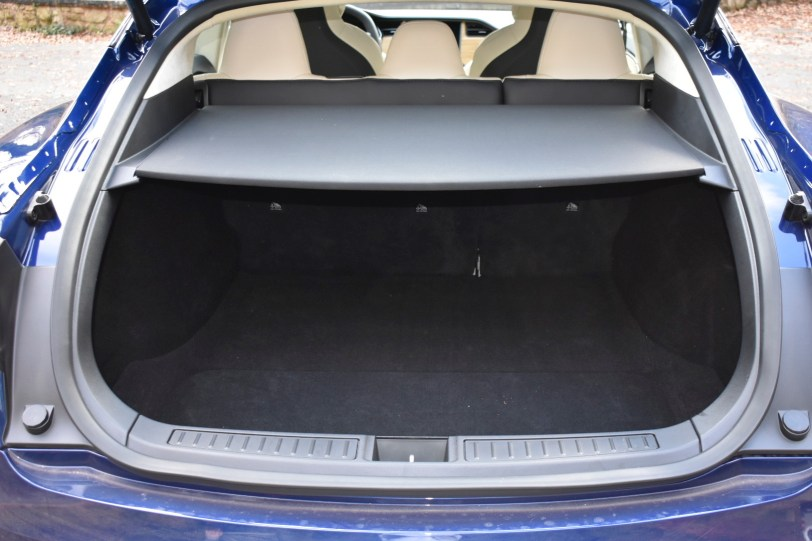 Maletero 5 plazas 2 - Tesla Model S 100D y nuestro viaje de 1.000 km