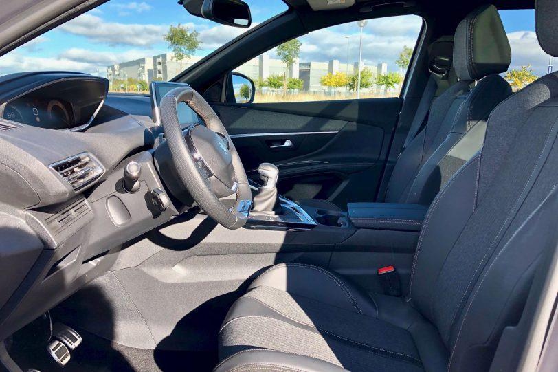 Plazas delanteras 1 1140x760 - Peugeot 5008 GT Line 1.5 BlueHDI 130 CV