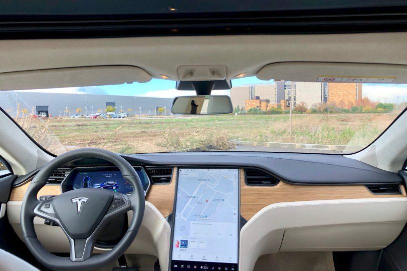 Salpicadero de frente. 1140x760 - Tesla Model S 100D y nuestro viaje de 1.000 km