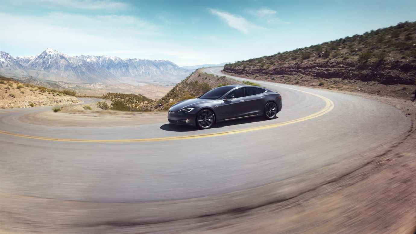 Tesla Model S Carretera