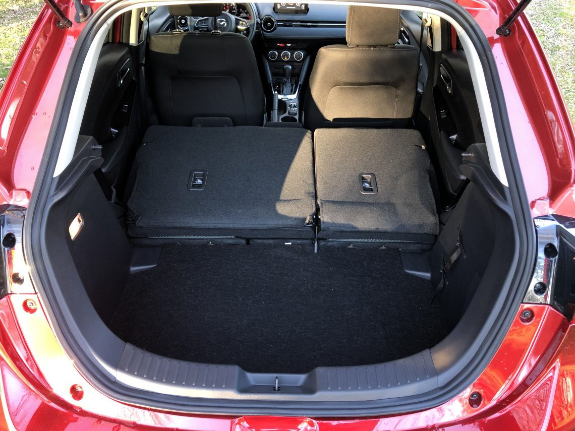 Maletero 2 plazas Mazda2 1140x855 - Mazda2 Zenith 1.5 Skyactiv-G 90 CV