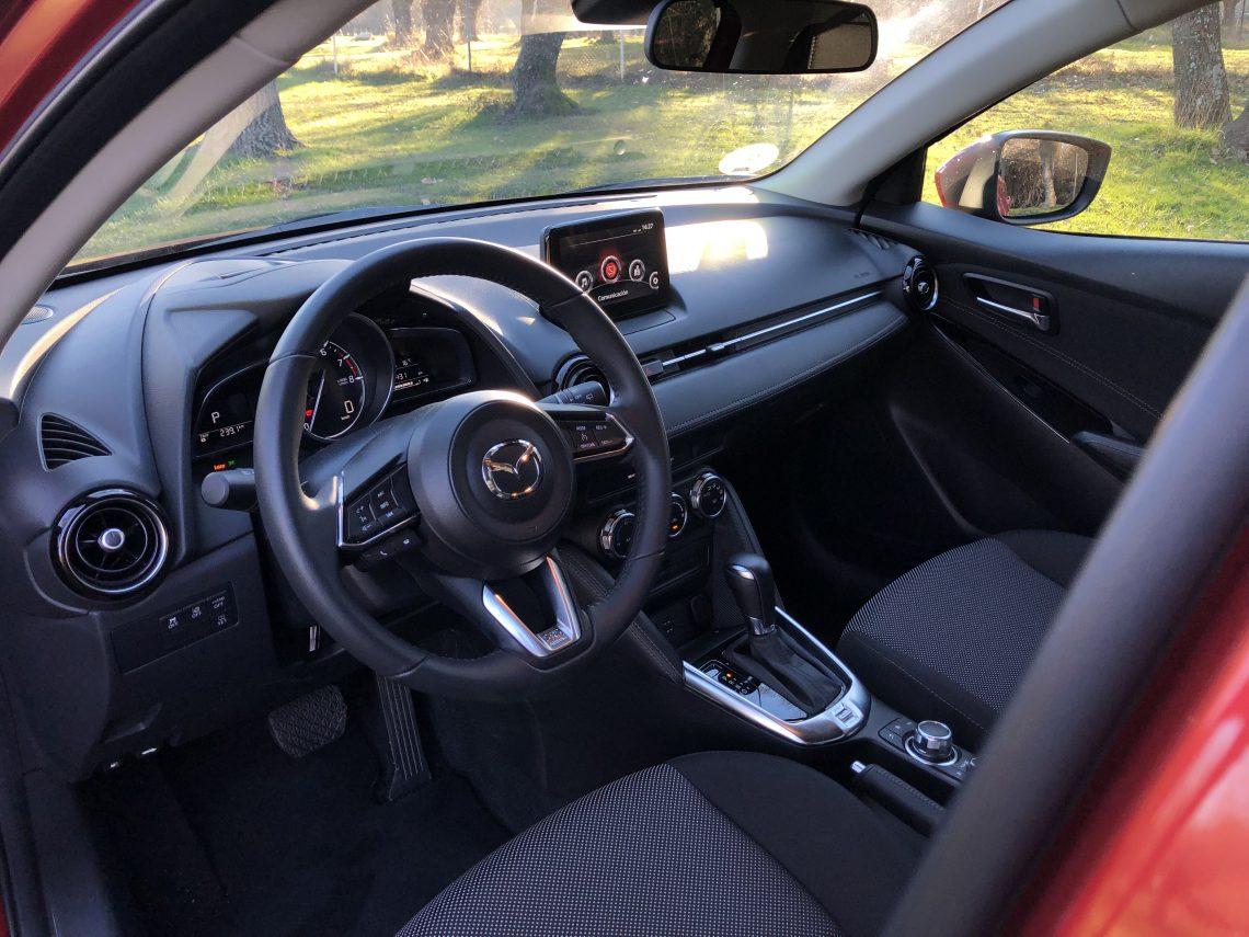 Parte delantera Mazda2 1140x855 - Mazda2 Zenith 1.5 Skyactiv-G 90 CV