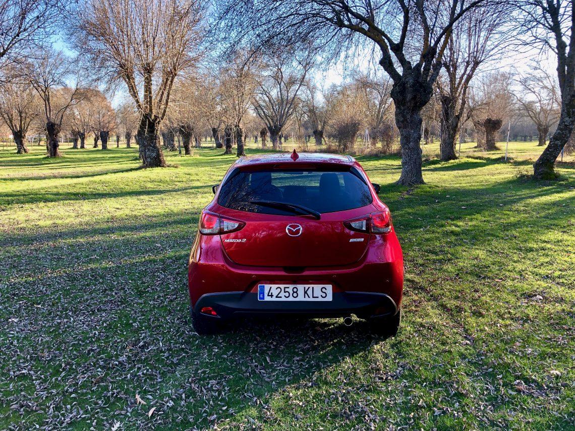 Trasera Mazda2 1140x855 - Mazda2 Zenith 1.5 Skyactiv-G 90 CV