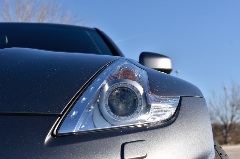 Faro delantero derecho 370z - Nissan 370z GT roadster con 328 CV y cambio manual