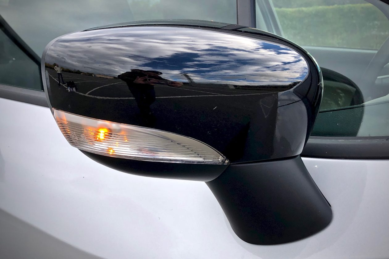 Espejo derecho 1260x840 - Nissan Micra 2017 – 2018 Acenta 0.9 IG-T 90 CV