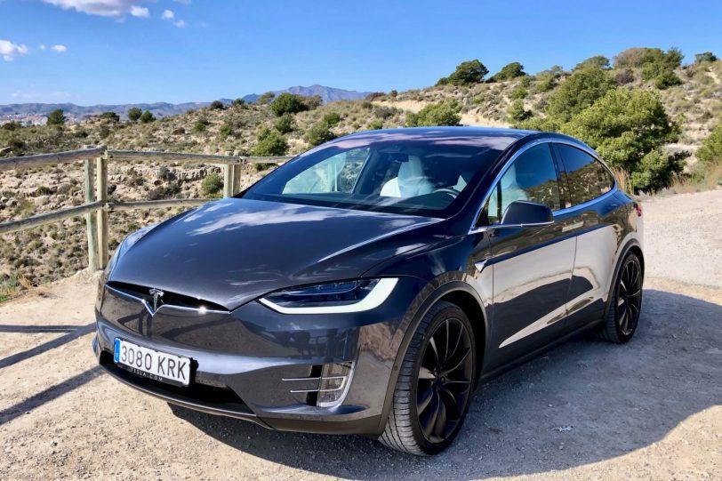 Frontal Izquierdo Tesla Model X 100D 1260x840 - Tesla model X 100D: No es cualquier SUV
