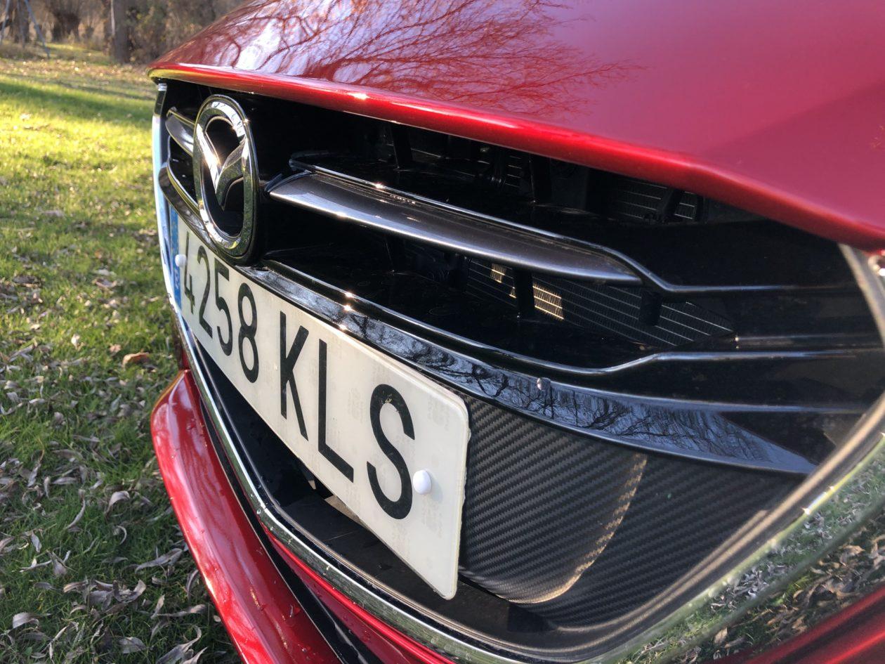 Logo Mazda2 con matricula 1260x945 - Mazda2 Zenith 1.5 Skyactiv-G 90 CV