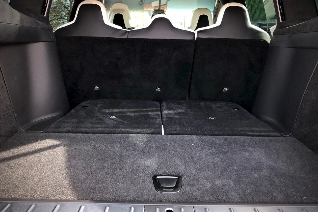 Maletero 2 filas de asientos Tesla Model X 100D 1260x840 - Tesla model X 100D: No es cualquier SUV