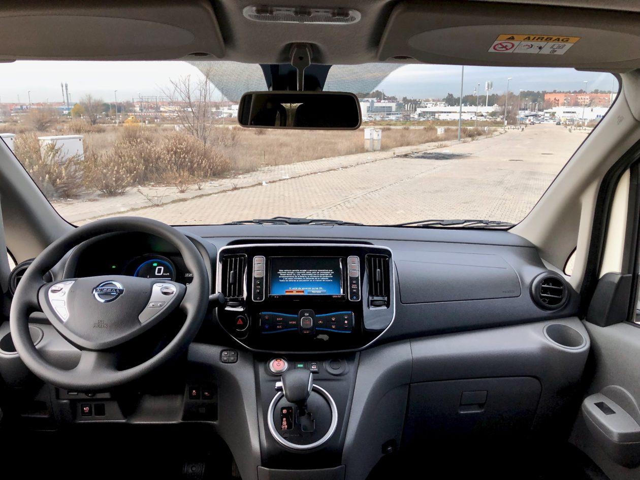 Salpicadero frente 1260x945 - Nissan e-NV200 7 plazas 40 kWh de capacidad