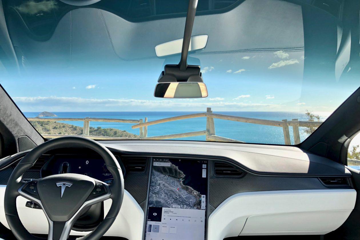 Salpicadero frontal Tesla Model X 100D 1260x840 - Tesla model X 100D: No es cualquier SUV