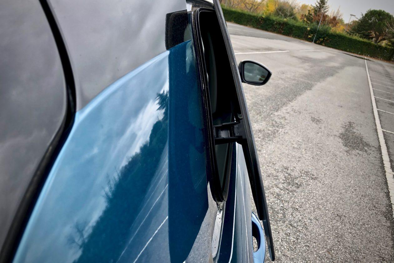 Ventanilla trasera derecha 1260x840 - Citroën C4 Cactus