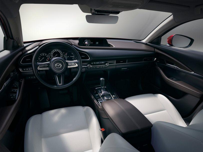 Mazda CX 30 at 2019GIMS 18 - Mazda completa su gama con el nuevo Mazda CX-30