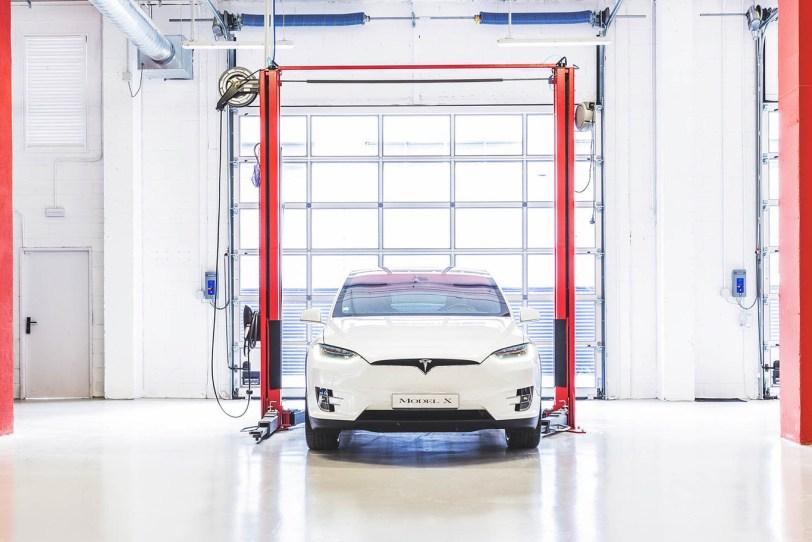 Service Centers - Tesla cambia su modelo de negocio y cierra todas las tiendas