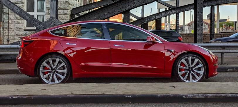 Tesla Model 3 Standard Range Lateral - Tesla Model 3 Standard Range por 35.000 dolares