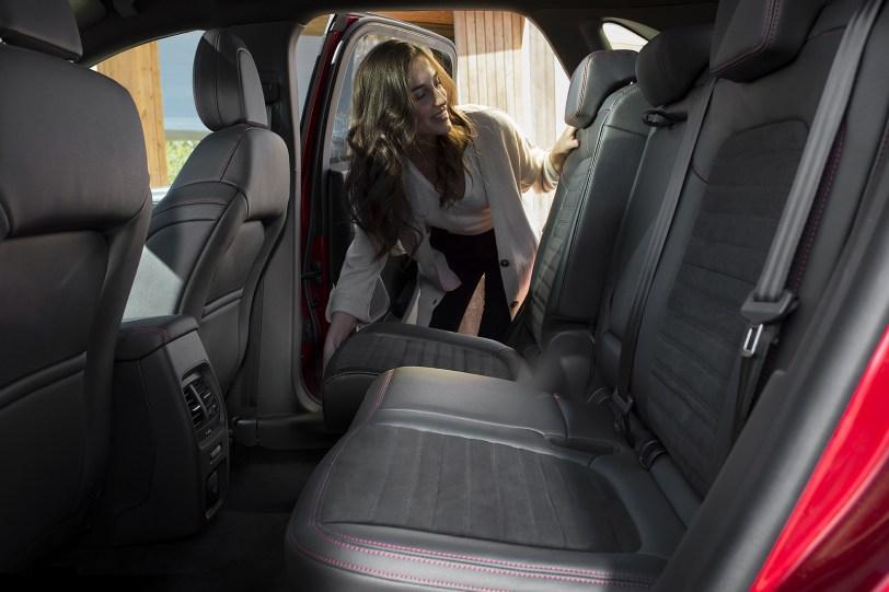 2560 300016 1260x840 - El Ford Kuga se renueva como SUV híbrido, híbrido enchufable, mild hybrid, además de gasolina y diésel