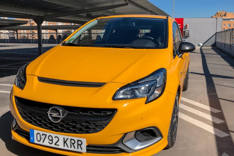 Frontal lateral izquierdo cerca Opel Corsa GSI 1260x840 - Opel Corsa GSi: un juguete para pasarlo bien