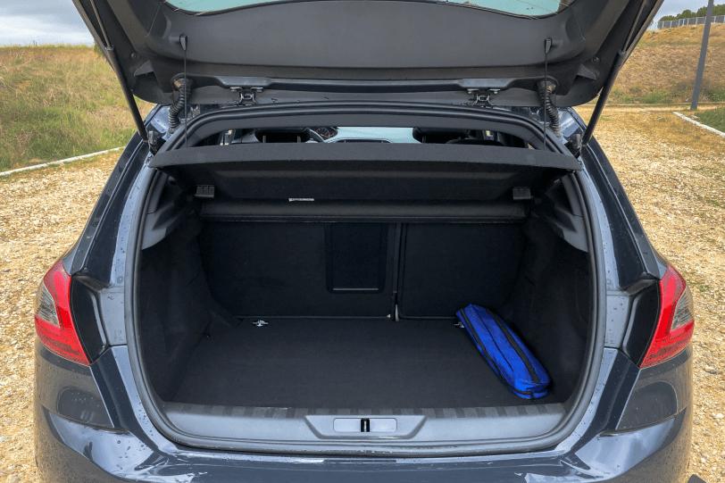 Maletero 5 plazas Peugeot 308 GT 1260x840 - Peugeot 308 GT: El deportivo francés
