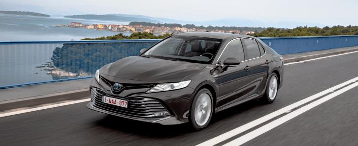 camry 2019 045 179159 - Toyota Camry: La berlina que sustituye al Avensis, ahora solo en híbrido