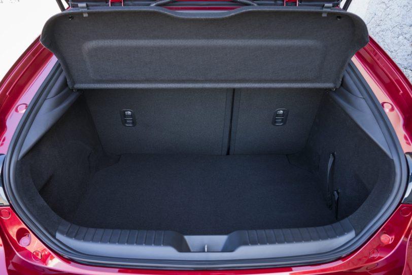 Mazda3 HB SoulRedCrystal Detail 17 - Nuevo Mazda3: Un compacto deportivo con tecnología Mild-Hybrid