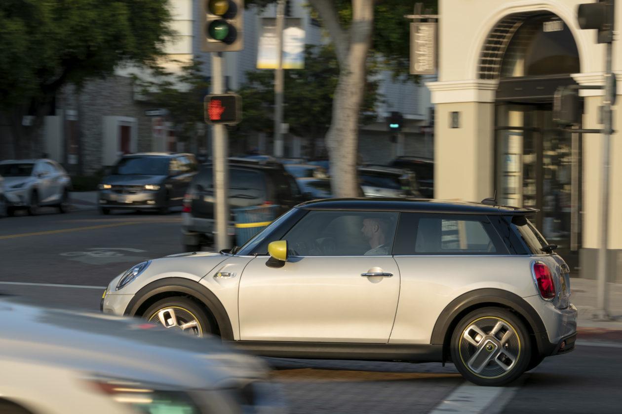 P90357193 highRes 1260x840 - Mini Cooper SE: El primer mini eléctrico
