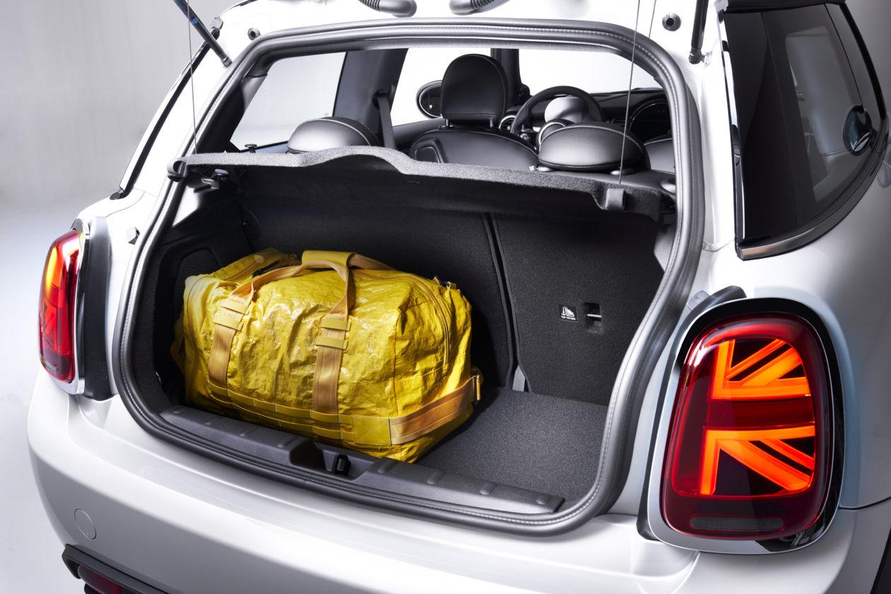 P90357966 highRes 1260x840 - Mini Cooper SE: El primer mini eléctrico