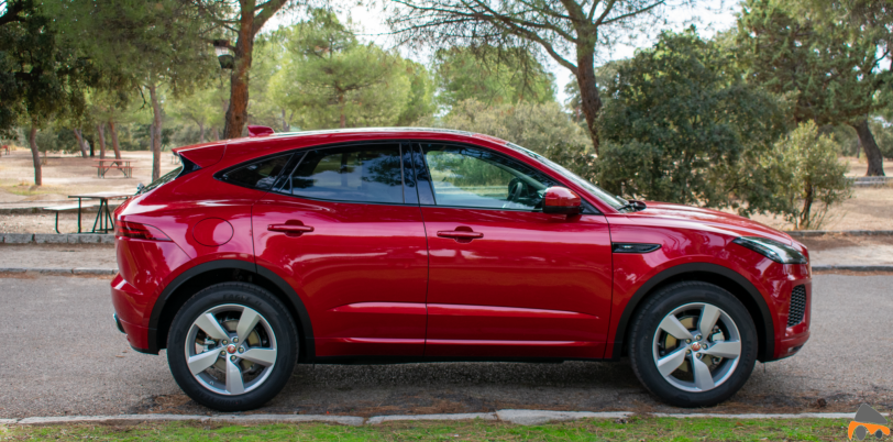 Lateral derecho Jaguar E Pace - Jaguar E-Pace: El SUV de entrada a la gama