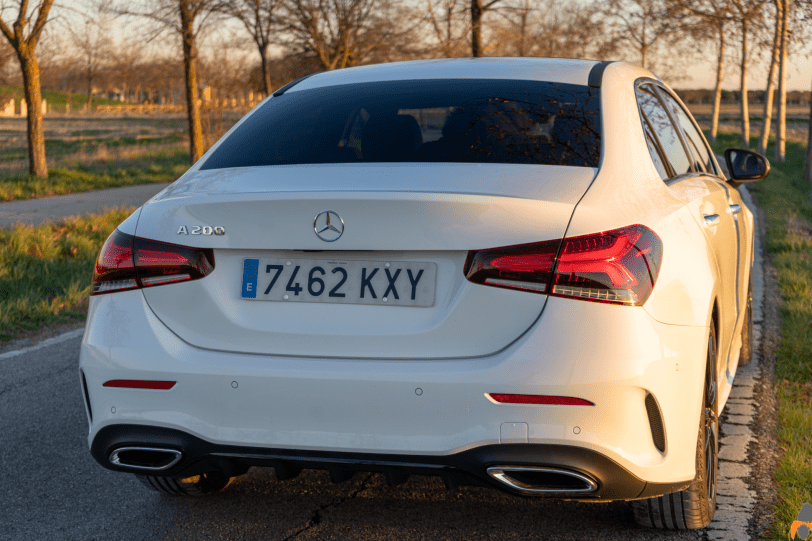"Trasera derecha Mercedes Benz Clase A Sedan 1260x840 - Mercedes Clase A 200 Sedán: Una berlina de ""acceso"" ""deportiva"" totalmente premium"