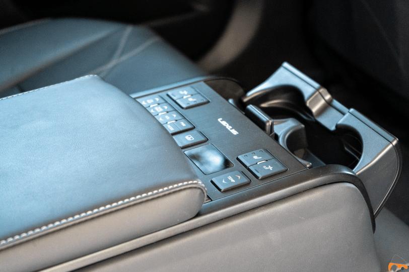 Botoneria trasera 2 Lexus ES 300h 1260x840 - Prueba Lexus ES 300h Luxury: Una berlina exclusiva y ecológica