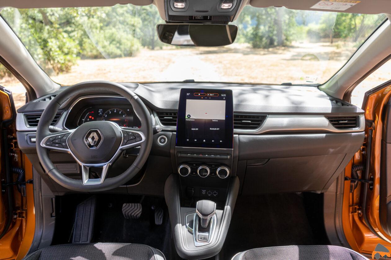 Salpicadero vista frontal Renault Captur 2020 1260x840 - Renault Captur TCe 130 CV automático: Con muchos argumentos para ser un superventas