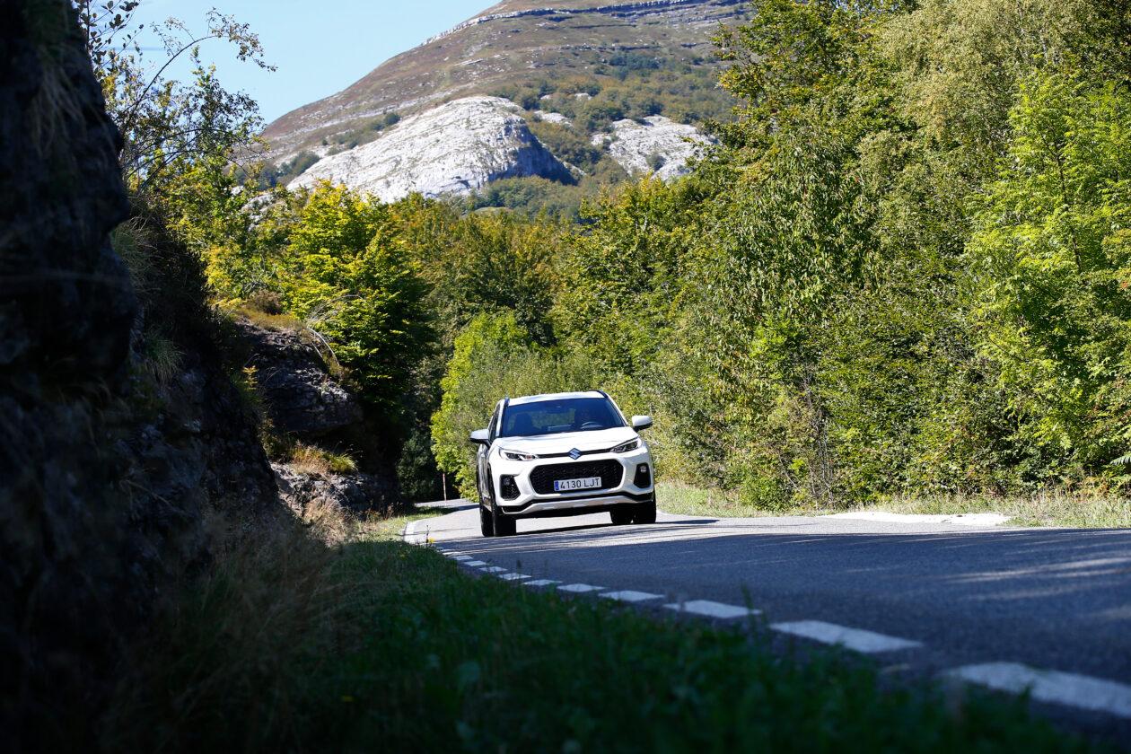 017acrss 4 1260x840 - Suzuki Across 2.5L 4×4 Plug-in-Hybrid de 306 CV: Un clon del Toyota RAV4
