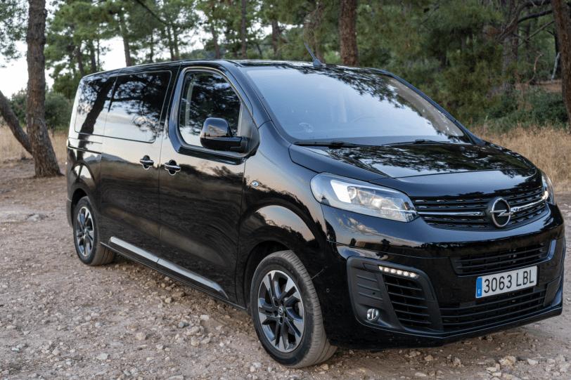 Frontal lateral derecho cerca Opel Zafira Life 1260x840 - Prueba Opel Zafira Life 2020: El compañero perfecto para viajar