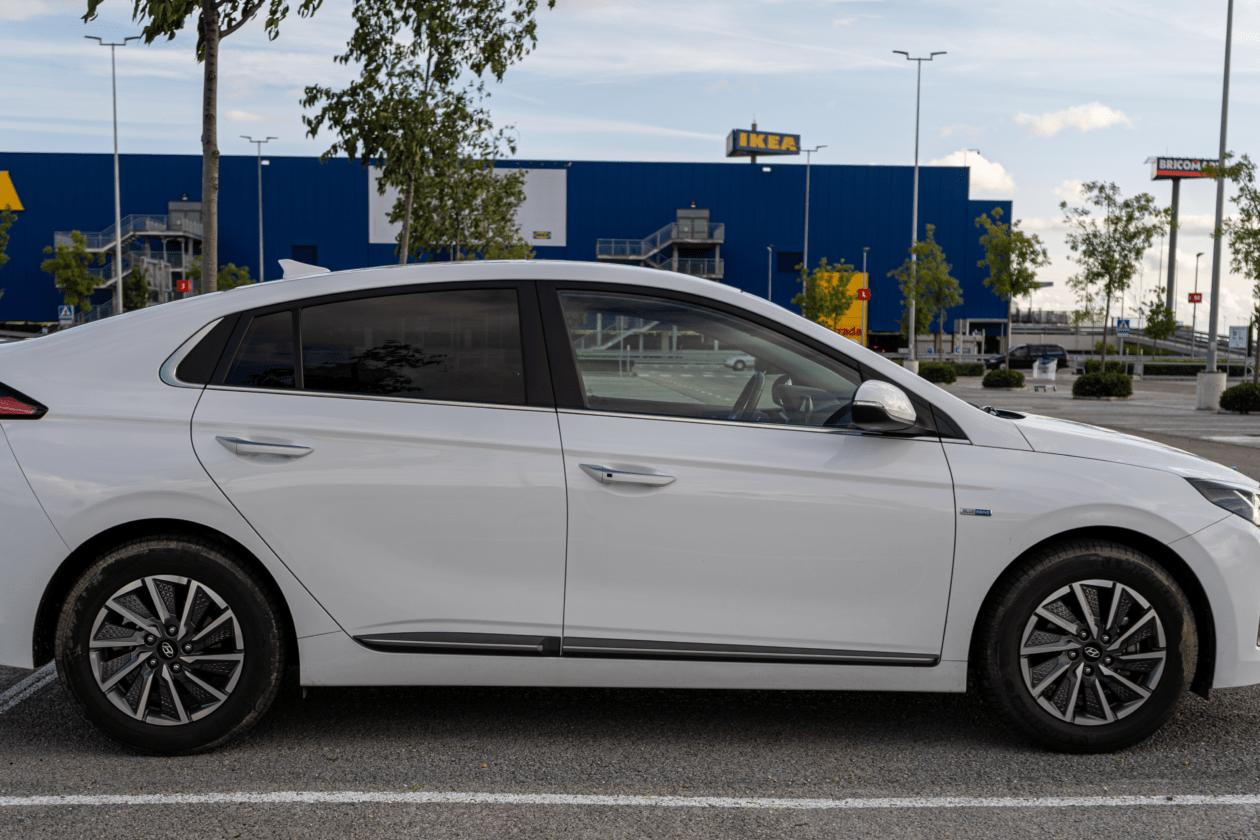 Lateral derecho Hyundai Ioniq Electrico 1260x840 - Prueba Hyundai Ioniq EV 2020: Un referente para la movilidad eléctrica