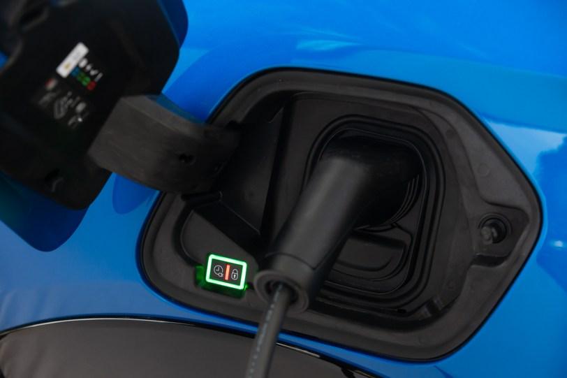 PEUGEOT e 208 e e 2008 OGGI ANCHE CON CARICATORE DI BORDO DA 11 kW 3 - Prueba del Peugeot e-208 GT 2020: Un eléctrico con mucho carácter