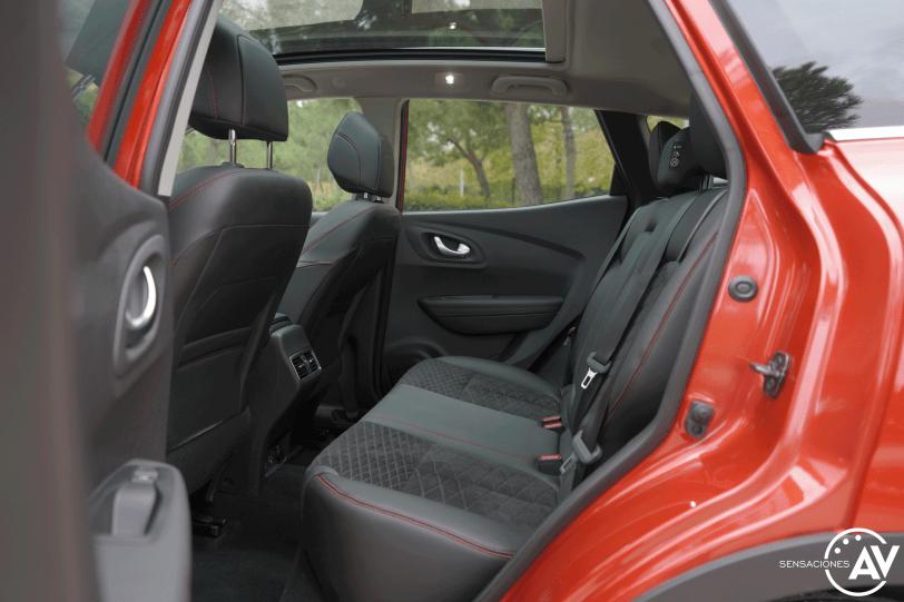 Plazas traseras vista izquierda Renault Kadjar - Prueba Renault Kadjar Black Edition Blue 1.7 dCi 150cv 4x4